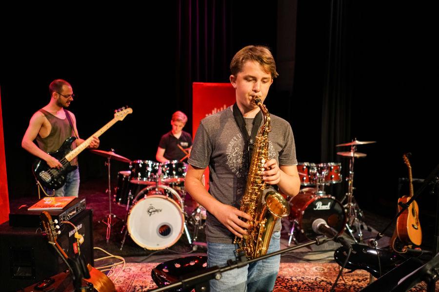 leren Drumles den bosch - Muziekles Den Bosch - Saxofoonles Den Bosch