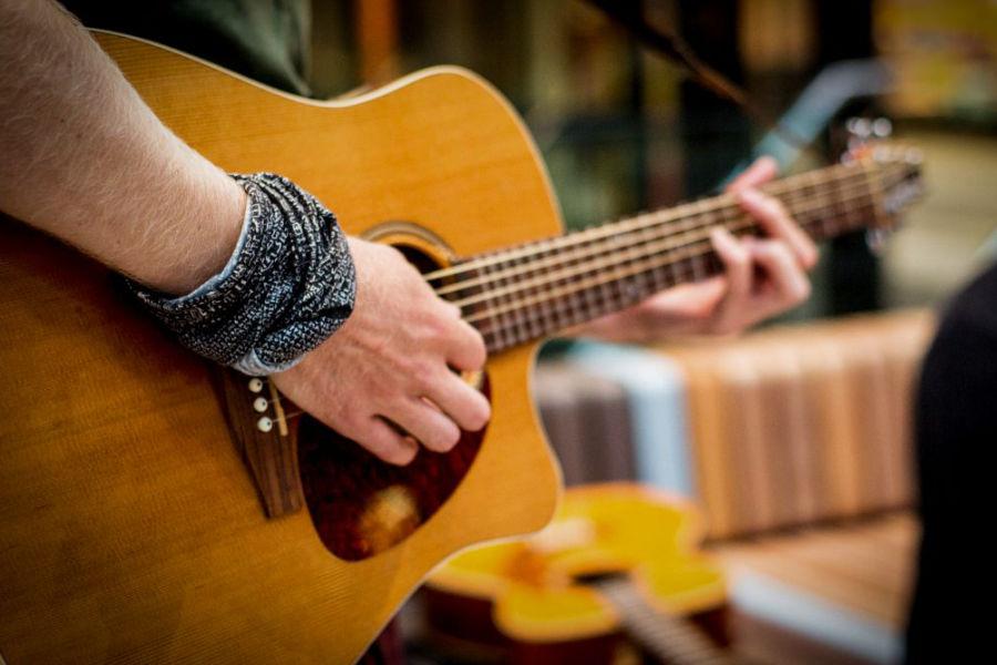 Elektrische gitaar den bosch - Muziekles Den Bosch - Leer Akoestische gitaar den bosch