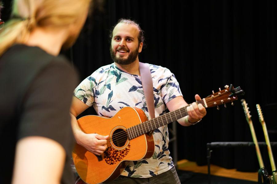 Akoestische gitaar den bosch - Muziekles Den Bosch - Gitaar