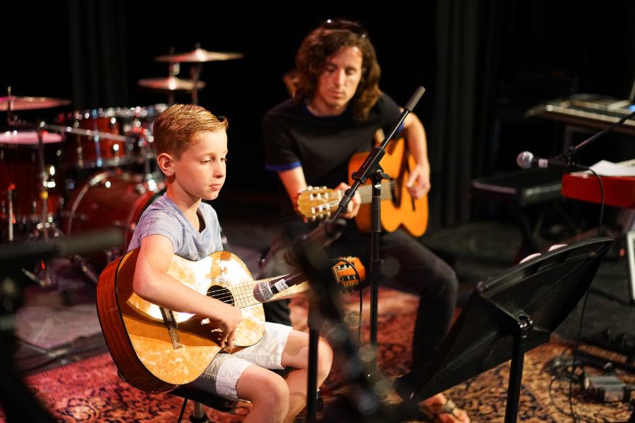 Leer Akoestische gitaar den bosch - Muziekles Den Bosch - gitaar den bosch